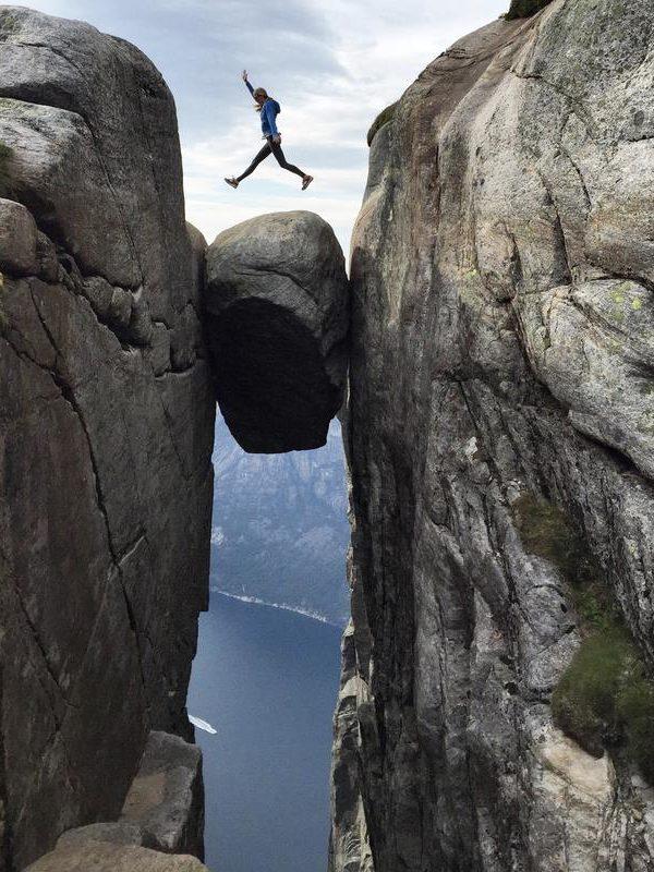 """NORWAY – KJERAG HIKE """"BEAT THE CROWDS"""""""